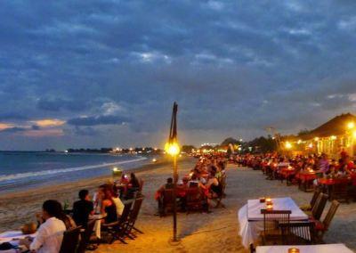 Pantai Padang Padang Bali - Dinner Pantai Jimbaran