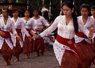 Pura Tirta Empul Bali - Tari Rejang