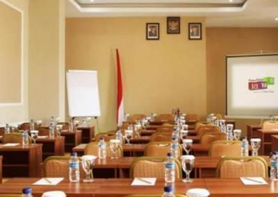 Hotel Rivavi Kuta Beach Bali - Class Meeting Room