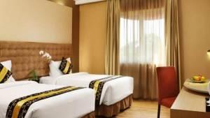 Hotel Rivavi Kuta Beach Bali - Table