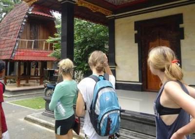 Trekking di Bali Berkunjung ke Rumah Penduduk