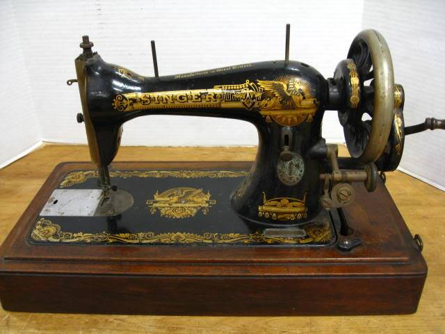 Why You Need A Vintage Sewing Machine In Your Collection Sewbroidery Delectable Vintage Sewing Machines