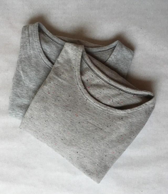 Twee nieuwe zelfgemaakte basic T-shirts