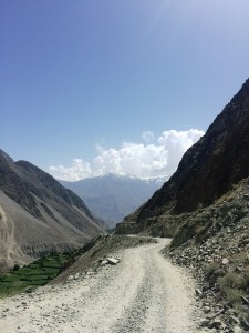 The road on the way to Chirah.