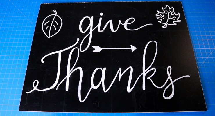Chalk Lettering Give Thanks.00_33_53_09.Still002