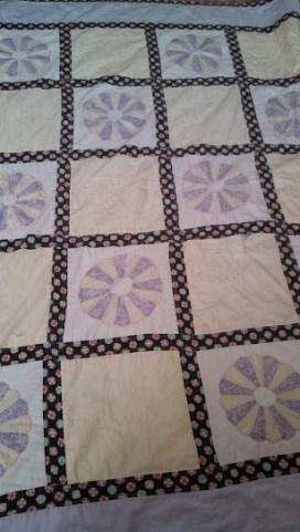 My First Dresden Plate Quilt