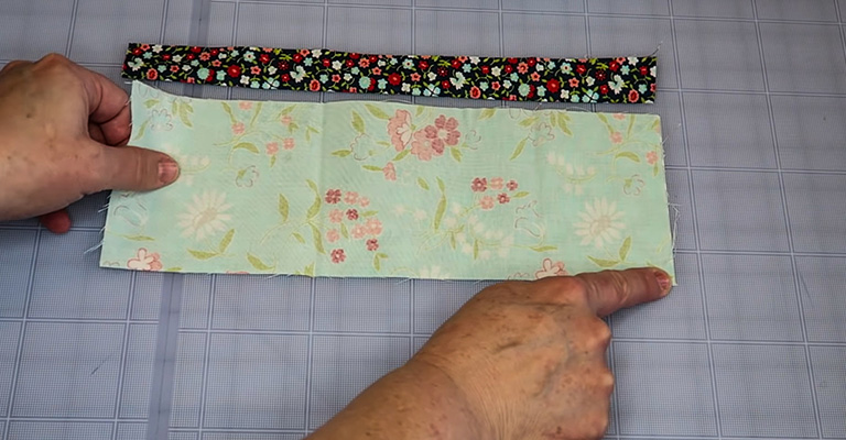 How to Make a Knitting Needle Case 18