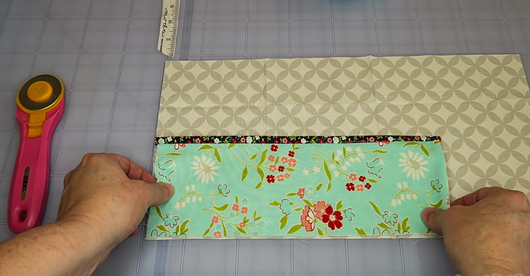 How to Make a Knitting Needle Case 27
