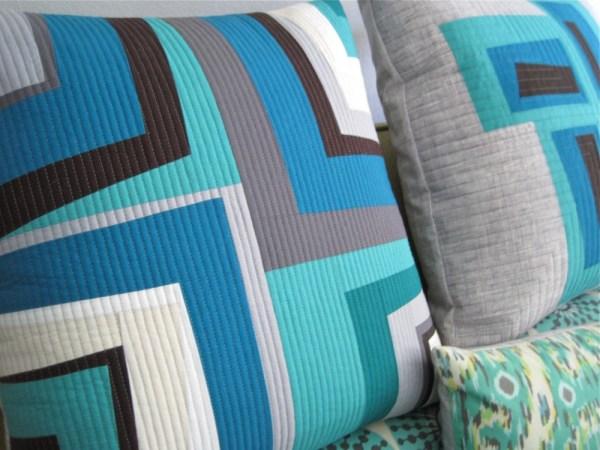 Sewkatiedid/Quarter Turn Modern Log Cabin Pillow