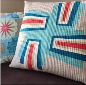 @carrie_ellens fab pillow from @sewkatiedid improv log cabin workshop