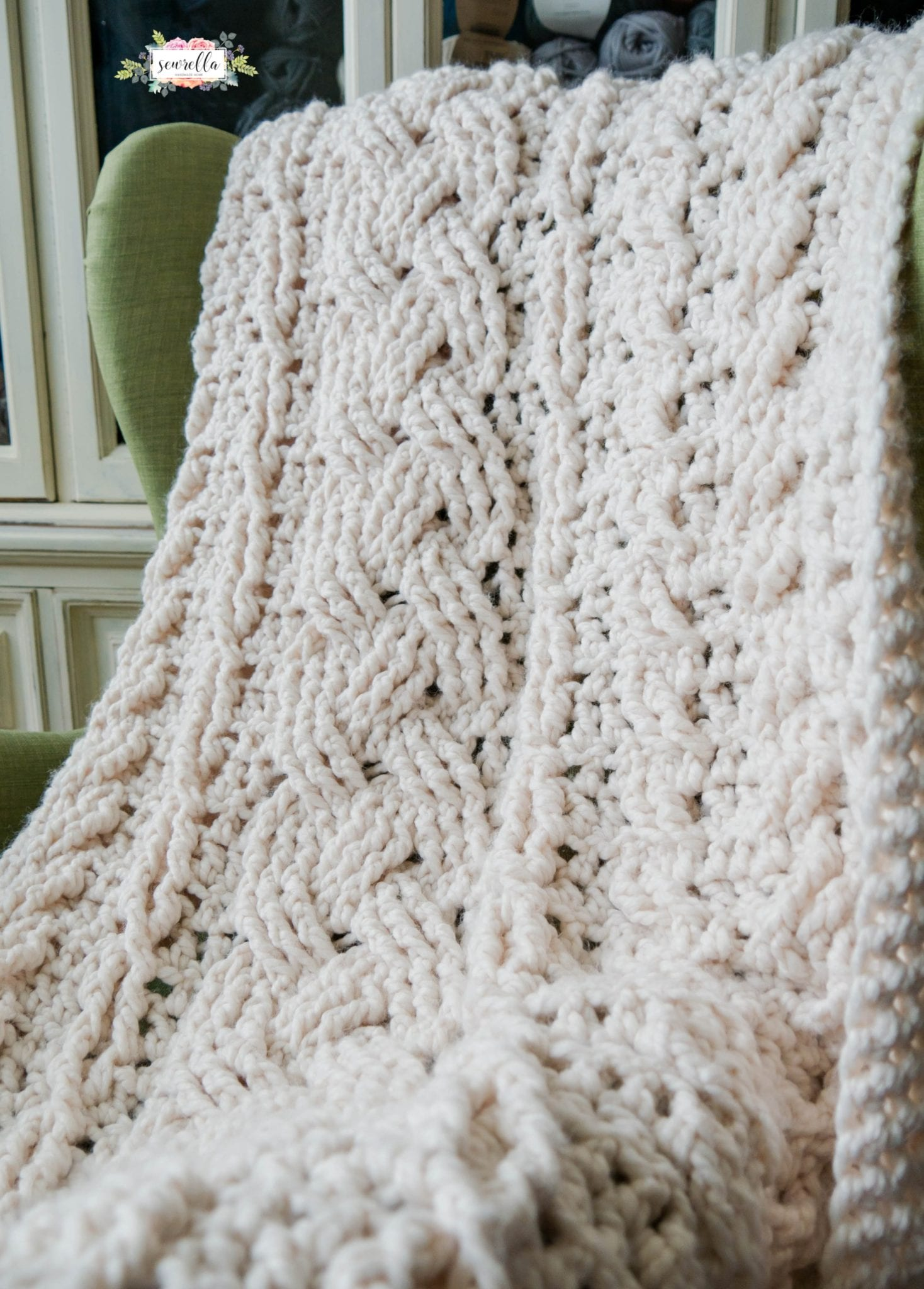 Crochet Heirloom Cabled Throw