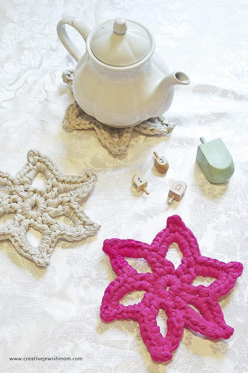Celebrating Hanukkah Free Crochet Patterns - Sewrella