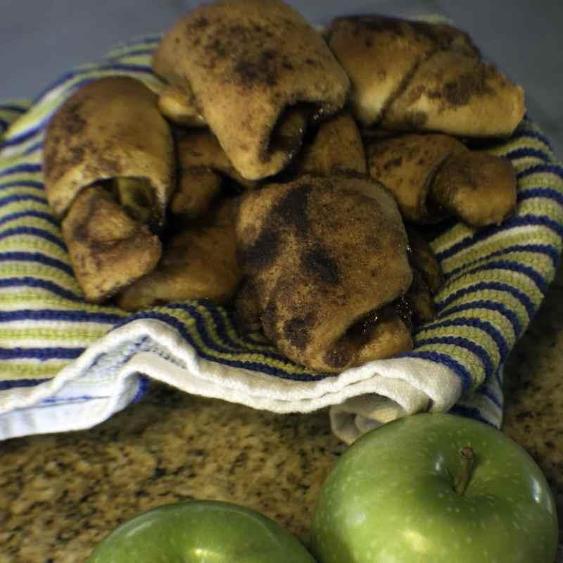 Delicious Apple Pie Bites