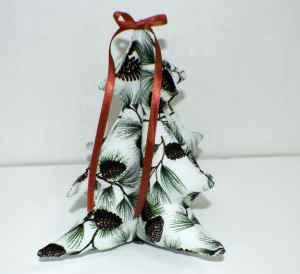 Three-Dimensional-Stuffed-Christmas-Tree-300x274 Three Dimensional Stuffed Christmas Tree