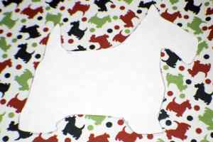 Trace-the-Pattern-onto-the-Fabric-300x200 Christmas Applique Pillow