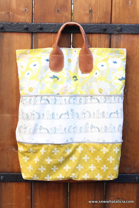 Expandable Bag Pattern and Tutorial | This bag is so versatile. It is perfect for taking on a trip because when you come home with lots of mementos you can just unzip the bag to store more goodies! Click through for the full free tutorial! www.sewwhatalicia.com