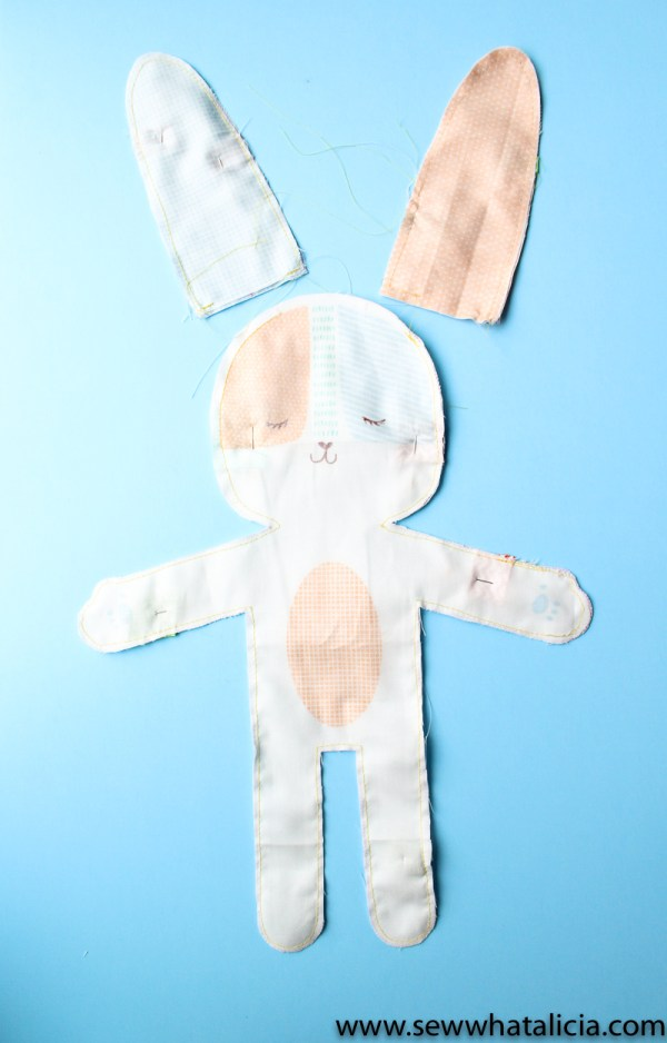 Stuffed Easter Bunny Sewing Tutorial: This cute panel from Moda makes it quick and easy to make a stuffed Easter bunny. Click through for the full tutorial and for some fun tips and additions to the bunny! | www.sewwhatalicia.com