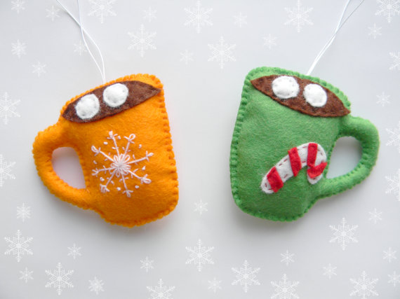 10+ Fun Felt Ornaments to Sew: If you love to sew and want to add a special handmade touch to your holiday season these christmas ornament patterns are perfect for you. Sew these ornaments today for your tree! Click through for a full list of ornaments to sew.   www.sewwhatalicia.com