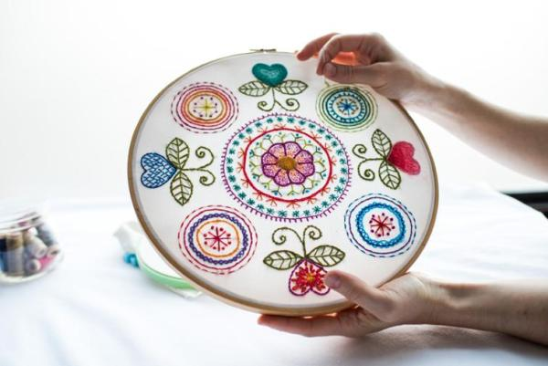 Classes to Unlock the Secrets of Embroidery: If you want to learn hand embroidery then taking a class is a great option. I have put together my favorite hand embroidery classes. Click through for a full list.   www.sewwhatalicia.com