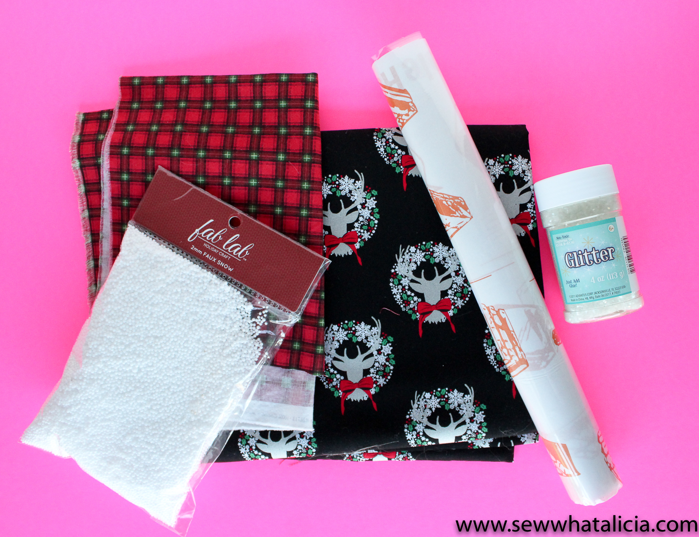 Snowglobe Mini Quilt Free Cut File Sew What Alicia