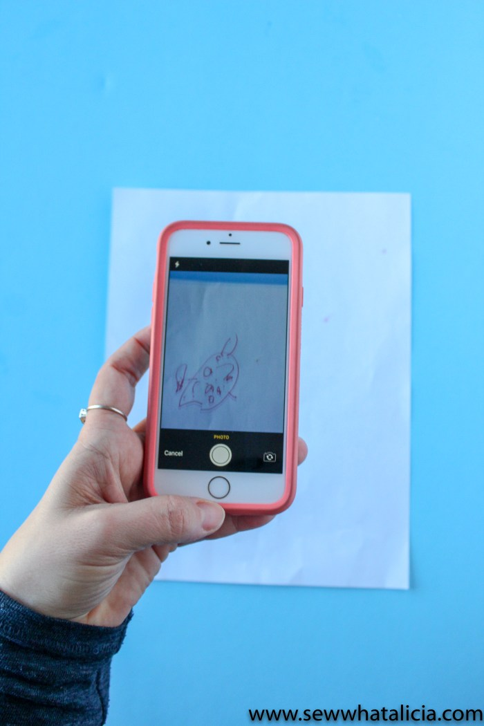 Using Cricut Apps to Create Sewing Projects: If you have wondered how to use the cricut design space app then you want to check out this post. Learn about snap mat and uploading designs straight to the app. Click through for all the tips and tricks.   www.sewwhatalicia.com