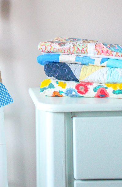 Tips for Washing a Quilt: When you sew a beautiful handmade quilt you need to be super careful about washing it! Here are all my tips for washing a handmade quilt.   www.sewwhatalicia.com