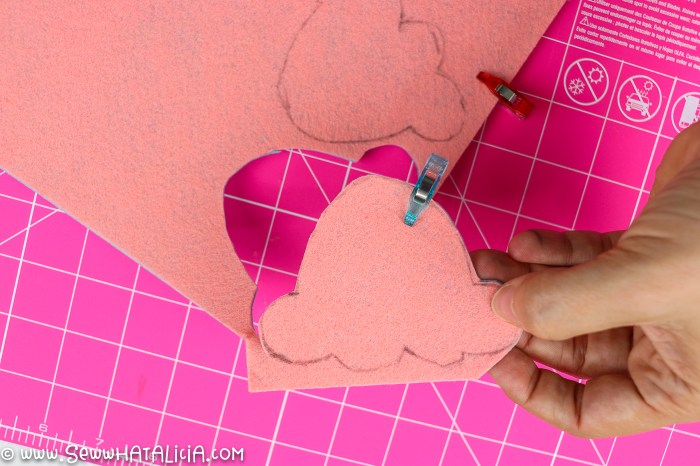 pictured pink felt with ice cream scoop traced on top