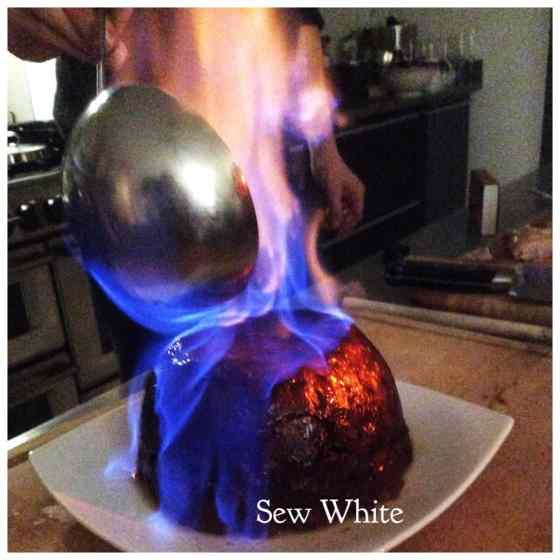 Sew White Christmas pudding 1