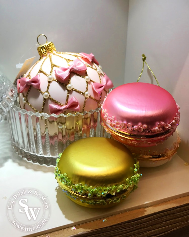 macarons for the Chirstmas tree, french patisserie decorations