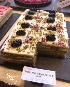 Leto Kings road review sew white cakes 2