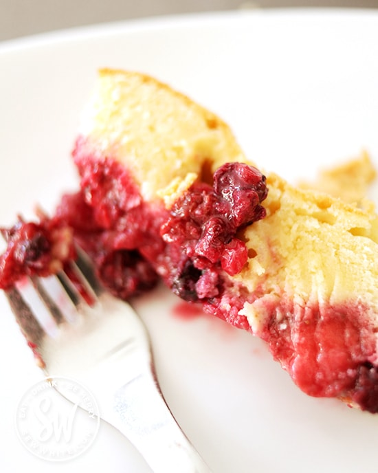 layers of fruit and sponge.