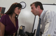 LISA ANN GETS FUCK IN OFFICE