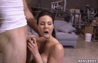 Kendra Lust – MILF Seducting A Builder