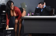 Brazzers – My Boss Is A Creep – Kiara Mia