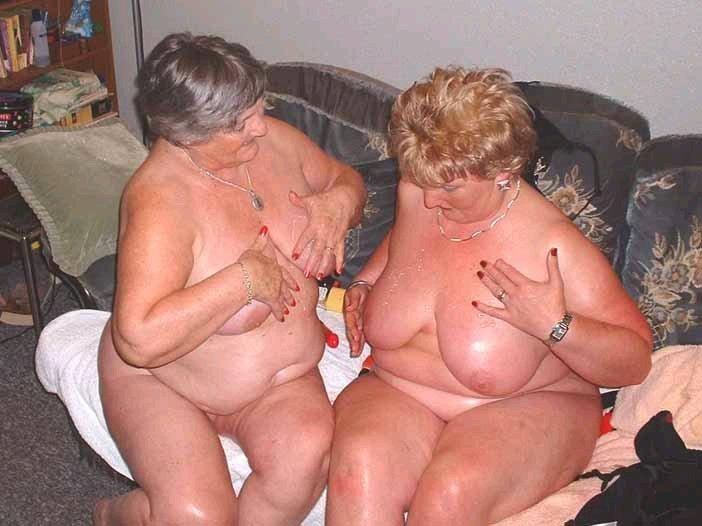big boobied girl strips