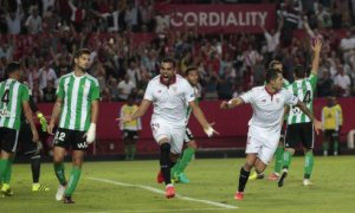 Gabriel Mercado celebrando su gol al Betis (As.com)