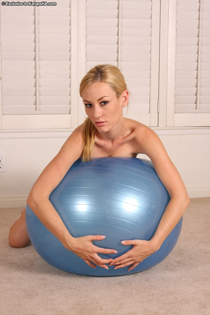 Nude girl on exercise ball  Sexy Models