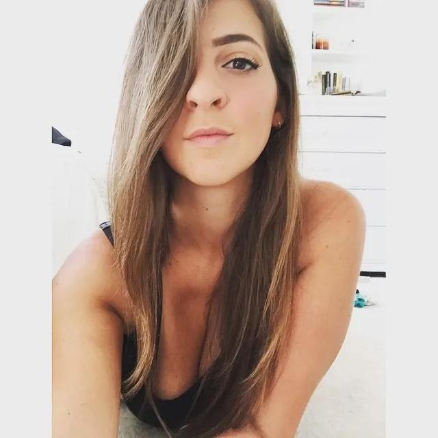 GabbieShowCleav (21)
