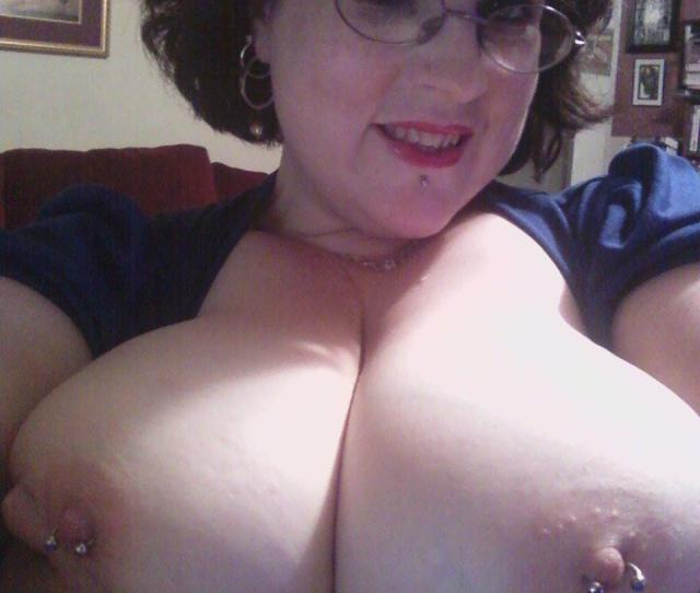 Tit Flash My Extremely Big Tits Selfie Topless Peachesncream From United Statespierced