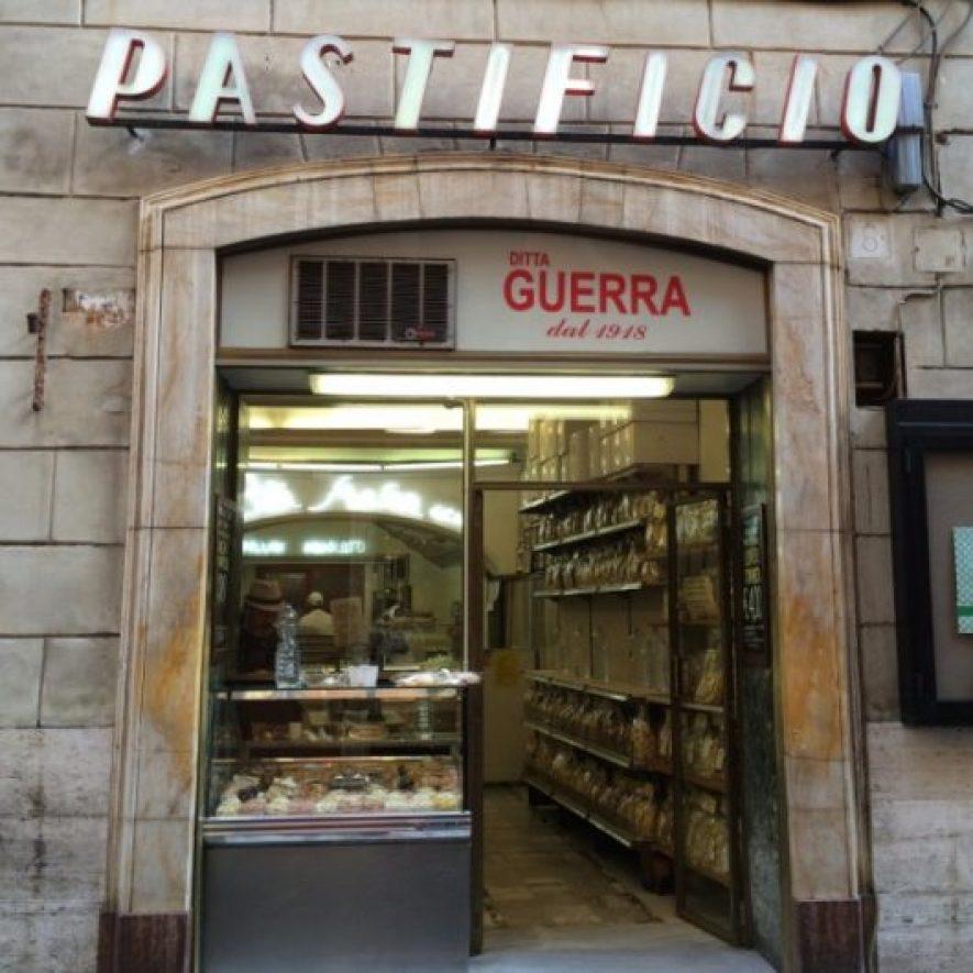 Roma'da en ucuz yemek seçeneklerinden biri Pastificio'nun nefis makarnaları