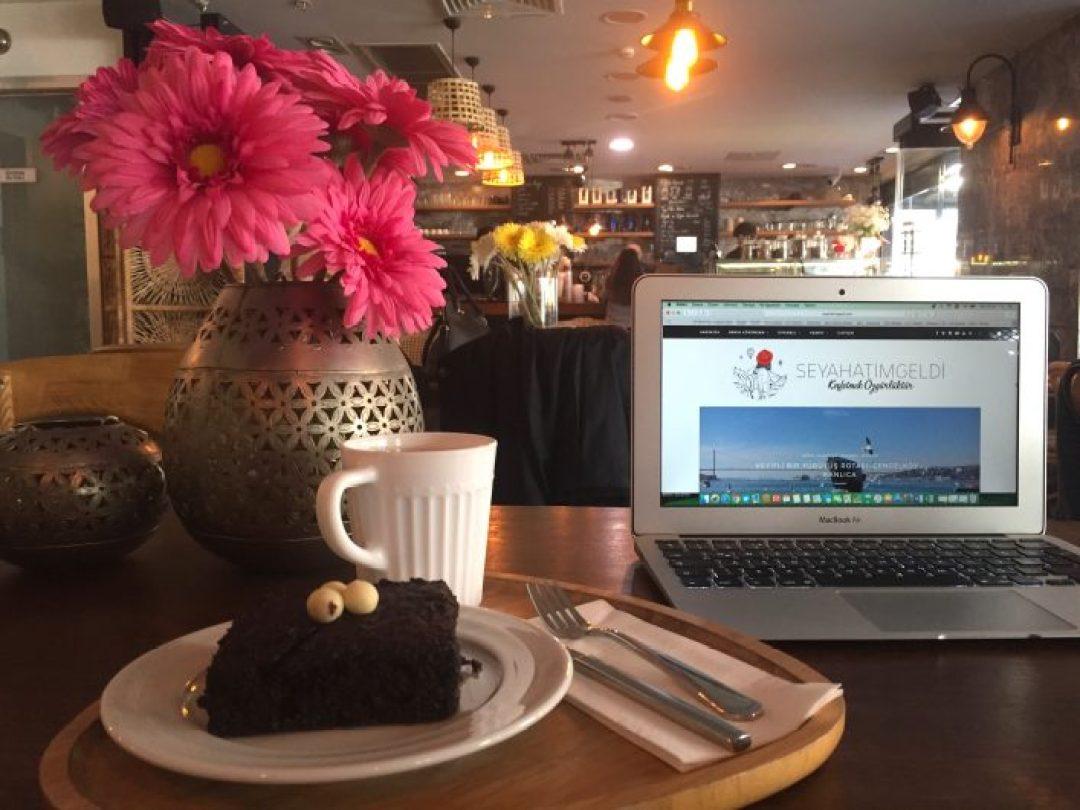 Bilgisayarınızı alıp rahatça çalışabileceğiniz But First Coffee Bomonti'de