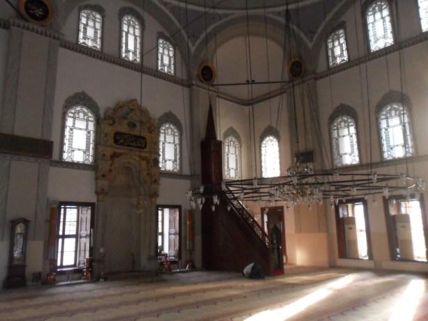 Emir Sultan Cami İç Kısım