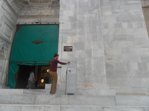 Bursa Ulu Cami 1399 Tarihi Yazısı