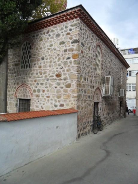 Eski Cami Yandan
