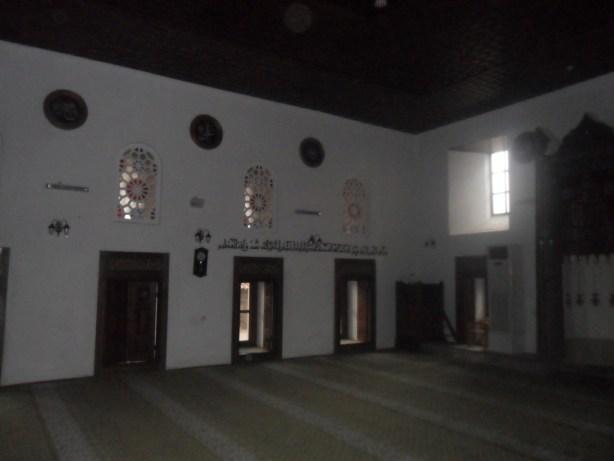 Hasan Bey Cami Sol Duvar Pencereleri