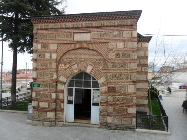 Abdal Mehmed Türbesi