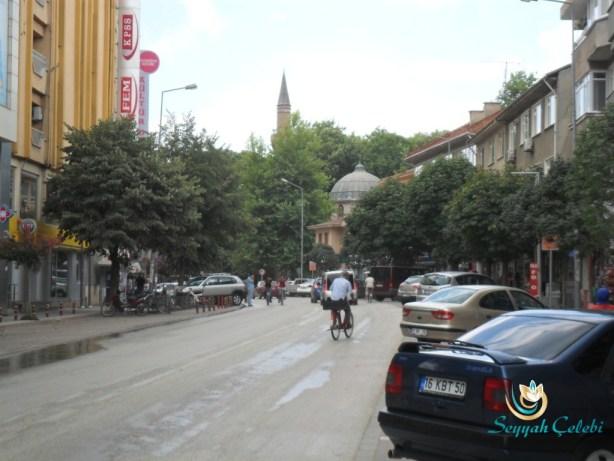 İnegöl ve Ağaçlarla Süslü Caddeleri