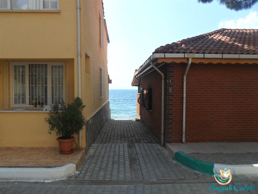 Denize Sıfır Kumla Evleri