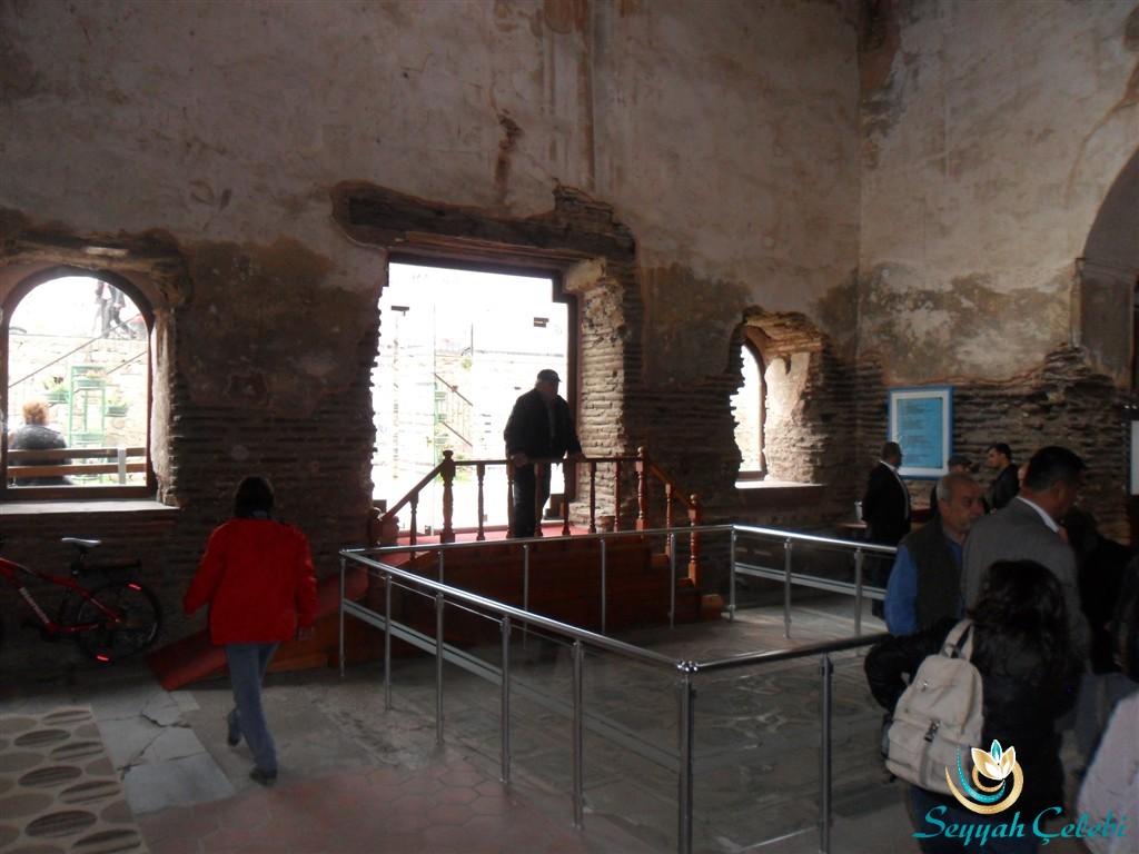 İznik Ayasofya Orhan Camii Giriş ve Taç Giydirme Yeri