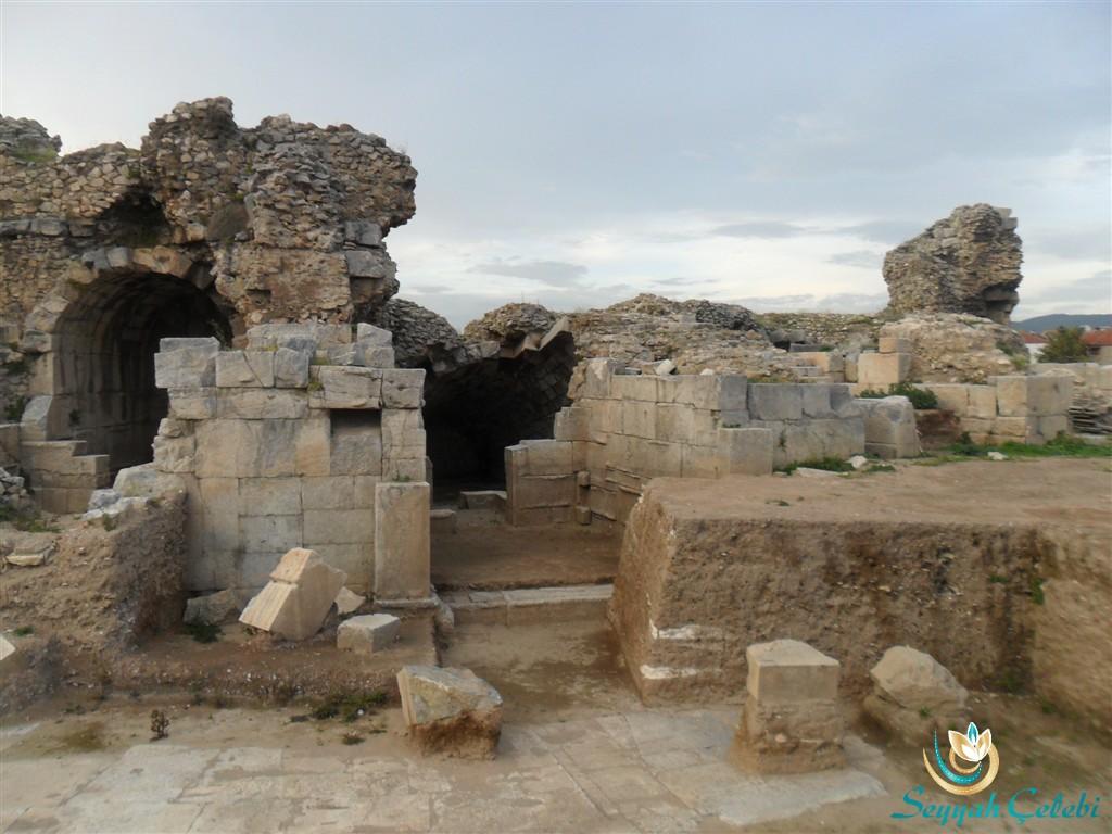 Antik Tiyatro Girişi İznik